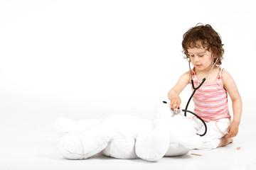 Kind mit Stethoskop 2
