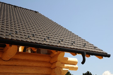 Tile Dach eines Holzhauses