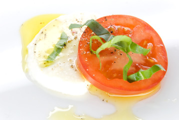 mozzarella tomato oil