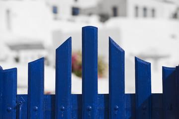 blaues Gartentor in Santorini