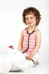 Kind mit Stethoskop 5