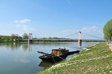 Pont suspendu de Cosne-Cours-sur-Loire (58)