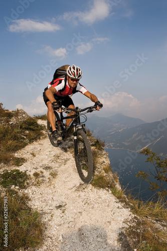 Deurstickers Mountain Biker am Gardasee