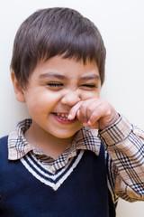 bambino che sta ridendo