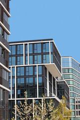 Wohn- und Geschäftshäuser an der Elbe in Hamburg