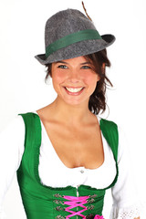 junge Frau mit Tirolerhut