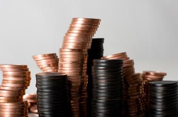 Münzen als Hochhäuser