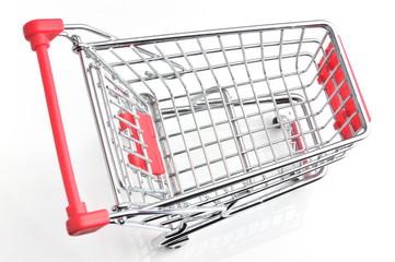 Leerer Einkaufswagen mit geschlossener Klappe