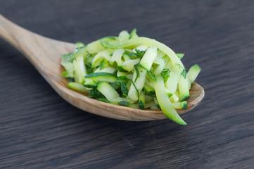 zucchini auf holzlöffel blanchiert (3)
