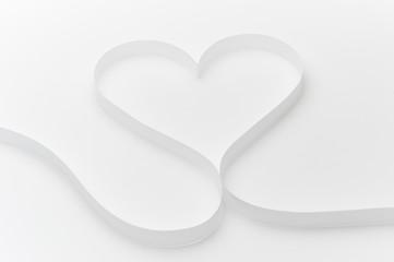白いハートリボン