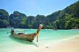 Fototapety traditional Thailand boat at Phi Phi islands, Thailand