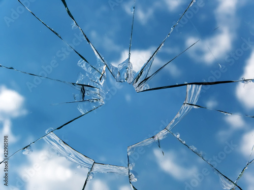 Glass  broken  window - 22905198