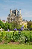Parigi, Louvre dai giardini poster
