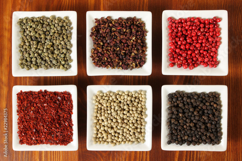 Allspice and other herbs - 22984375