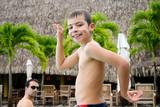 garçon imitant les égyptien poster