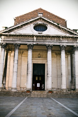 facciata della chiesa san nicolo dei tolentini a venezia