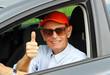Aktiver Senior im Auto - Active Senior with Car