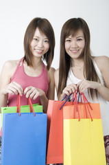 asian girls shopping