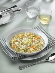 soupe de légumes aux céréales