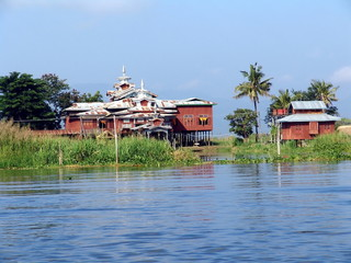 Myanmar, Inle lake - floating monastery