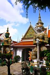 Guardian statue at wat arun ,thailand