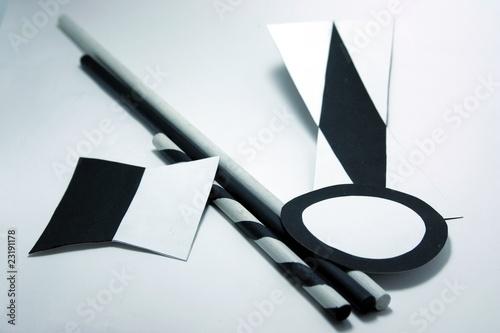 découpage et collage pour mobile de Munari