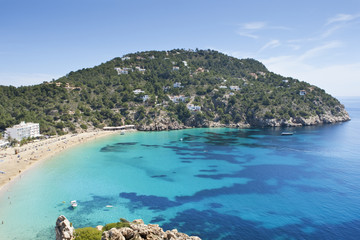 playa tropical en ibiza