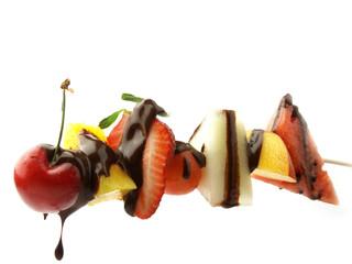 Pincho de frutas con chocolate