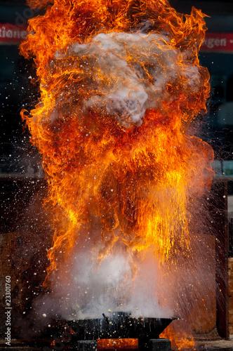 Fotobehang Vuur / Vlam Explosion mit Feuer und Flammen