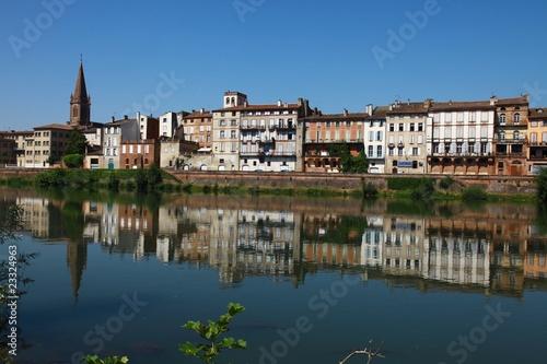 La ville de montauban de cyril comtat photo libre de for Piscine de montauban