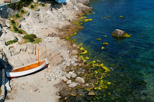 Litlle boat on the beach