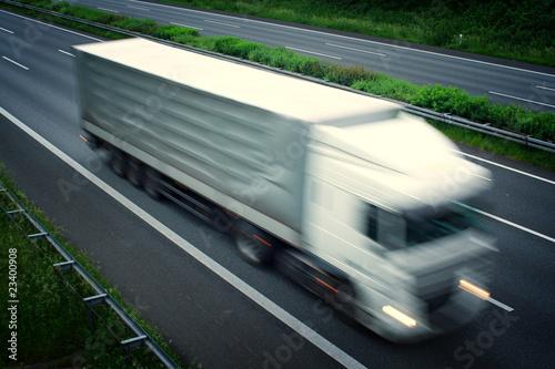 schneller LKW