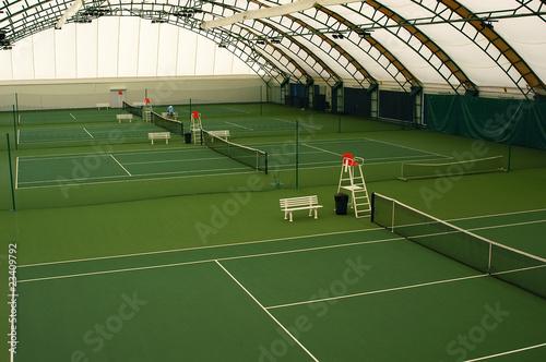 Indoor tennis court - 23409792