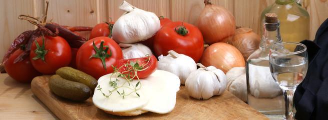 Mozzarella mit Tomaten als Salat