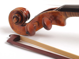 violin head and violin bow head