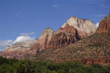 White and red rock of the mountains in Zion NP, Utah