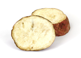 A batata that has been cut into two sections