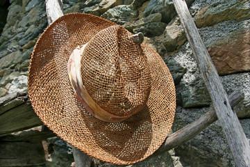Alter Hut - Old Hat