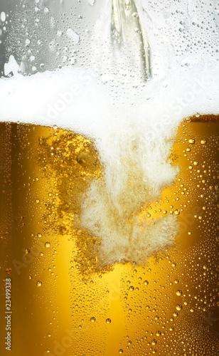 Bierfond mit Tropfen 21