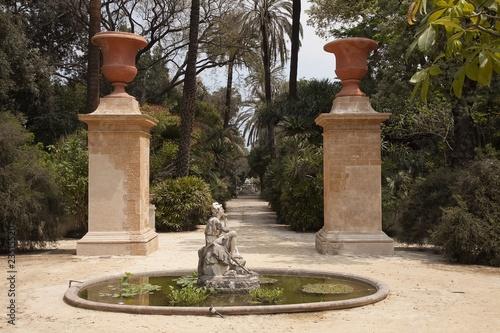 Fontanna w ogrodzie botanicznym w Palermo