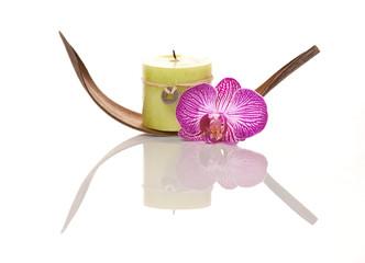 Kerze mit Dekoration