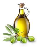 Oddział z oliwek i butelkę oliwy z oliwek wyizolowanych na białym tle