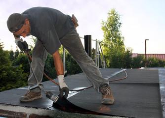 garagendach abdichten dachpappe schweißbahn