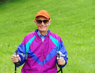 Happy Senior - Nordic Walking