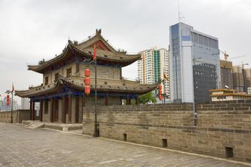 chine; xi'an : remparts ming et architecture contemporaine