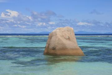 Fels in der Brandung, Seychellen