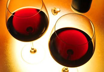 Rotweingläser von oben