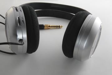 Surraund eadphones