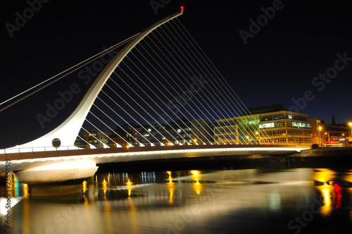 Papiers peints Pont River Liffey at night