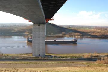 Brücke über den Nord-Ostsee-Kanal